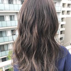 ロング ミルクティー アッシュ マット ヘアスタイルや髪型の写真・画像