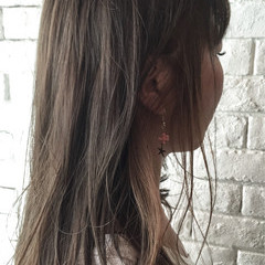 グレージュ インナーカラー 外国人風 ナチュラル ヘアスタイルや髪型の写真・画像