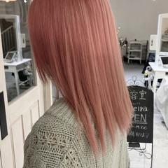 ペールピンク 透明感カラー ナチュラル ピンク ヘアスタイルや髪型の写真・画像