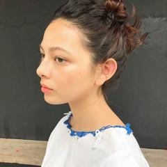 ハイトーン 簡単ヘアアレンジ ミディアム モード ヘアスタイルや髪型の写真・画像