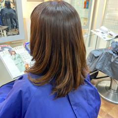 ミディアム ナチュラルグラデーション ナチュラル パーマ ヘアスタイルや髪型の写真・画像