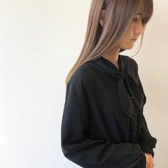 極細ハイライト ミルクティー ストレート セミロング ヘアスタイルや髪型の写真・画像