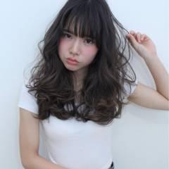 ロング 春 外国人風 暗髪 ヘアスタイルや髪型の写真・画像