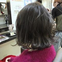アッシュ ストリート 色気 外ハネ ヘアスタイルや髪型の写真・画像