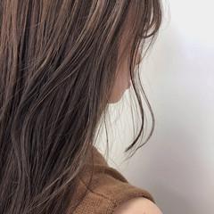 セミロング 暗髪 ナチュラル マットグレージュ ヘアスタイルや髪型の写真・画像
