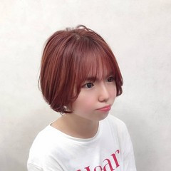 ラズベリーピンク ぱっつん ショート オルチャン ヘアスタイルや髪型の写真・画像