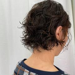 パーマ  モード 無造作パーマ ヘアスタイルや髪型の写真・画像