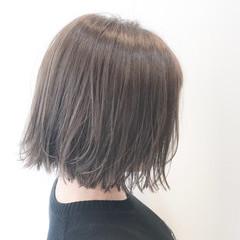 リラックス ナチュラル ハイトーン ボブ ヘアスタイルや髪型の写真・画像