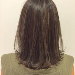 ハイライト ブルージュ ストリート グレージュ ヘアスタイルや髪型の写真・画像