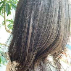 ハイライト ナチュラル ミディアム 大人ハイライト ヘアスタイルや髪型の写真・画像