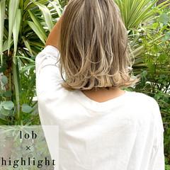 ボブ ストリート バレイヤージュ 大人ハイライト ヘアスタイルや髪型の写真・画像