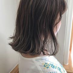 ハイライト ロブ 透明感 切りっぱなし ヘアスタイルや髪型の写真・画像