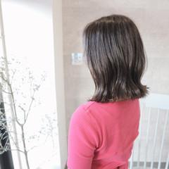 ミディアム スポーツ アンニュイほつれヘア フェミニン ヘアスタイルや髪型の写真・画像