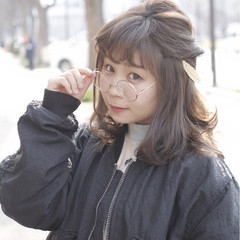 セミロング 簡単ヘアアレンジ 春 モード ヘアスタイルや髪型の写真・画像
