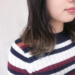 ミルクティー 外国人風カラー グラデーションカラー 大人女子 ヘアスタイルや髪型の写真・画像