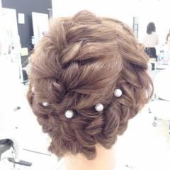 編み込み 波ウェーブ ヘアアレンジ パールアクセ ヘアスタイルや髪型の写真・画像