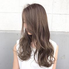 ロング エレガント アッシュ 透明感 ヘアスタイルや髪型の写真・画像