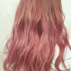 ピンク ロング 外国人風 ハイトーン ヘアスタイルや髪型の写真・画像