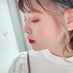 小顔ヘア ミディアム レイヤーカット 透明感 ヘアスタイルや髪型の写真・画像