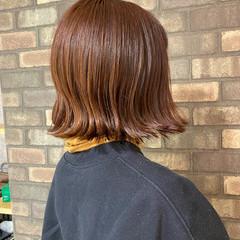 切りっぱなしボブ イルミナカラー ナチュラル 外ハネ ヘアスタイルや髪型の写真・画像