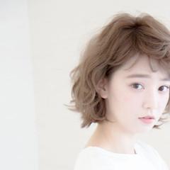 パーマ シースルーバング ショート 簡単ヘアアレンジ ヘアスタイルや髪型の写真・画像