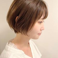 ショートボブ ナチュラル ショートヘア オフィス ヘアスタイルや髪型の写真・画像
