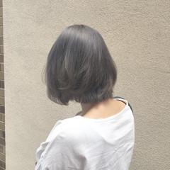 ハイトーン ショート モード グレー ヘアスタイルや髪型の写真・画像