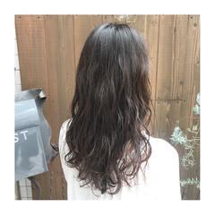 フェミニン セミロング 大人ヘアスタイル ゆるナチュラル ヘアスタイルや髪型の写真・画像