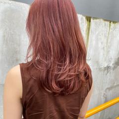 ストリート セミロング ラベンダーピンク ピンクベージュ ヘアスタイルや髪型の写真・画像