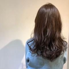 ナチュラル ロング 暗髪 ブルーアッシュ ヘアスタイルや髪型の写真・画像