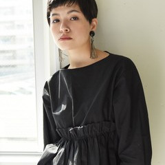 マニッシュ 黒髪 外国人風 ショート ヘアスタイルや髪型の写真・画像