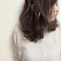 フェミニン 外国人風カラー グラデーションカラー グレージュ ヘアスタイルや髪型の写真・画像
