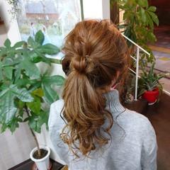 ふわふわヘアアレンジ ヘアアレンジ 簡単ヘアアレンジ ナチュラル ヘアスタイルや髪型の写真・画像