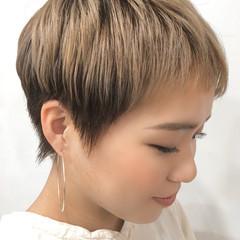 ハイトーン ナチュラル ショート ダブルカラー ヘアスタイルや髪型の写真・画像