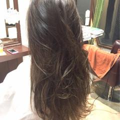 アッシュ ブラウン ナチュラル ロング ヘアスタイルや髪型の写真・画像