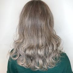 ボブ ウェーブ アンニュイほつれヘア セミロング ヘアスタイルや髪型の写真・画像