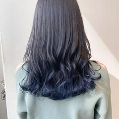 ナチュラル ブルーアッシュ グラデーションカラー ネイビーブルー ヘアスタイルや髪型の写真・画像