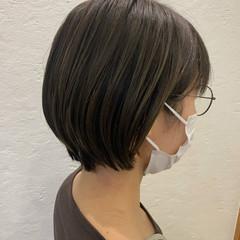 オリーブカラー ナチュラル オリーブ ショート ヘアスタイルや髪型の写真・画像