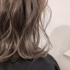 グレージュ ナチュラル ラベンダーアッシュ 透明感 ヘアスタイルや髪型の写真・画像