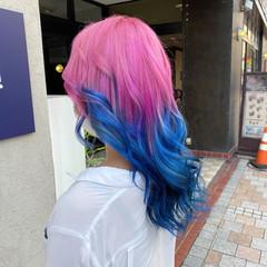 ピンク グラデーションカラー ロング ブリーチ ヘアスタイルや髪型の写真・画像
