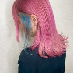 ミディアム ピンク ターコイズブルー ブルー ヘアスタイルや髪型の写真・画像