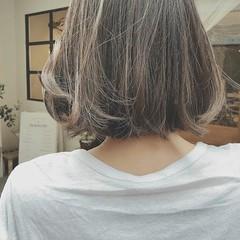 フェミニン オフィス ショート ゆるふわ ヘアスタイルや髪型の写真・画像
