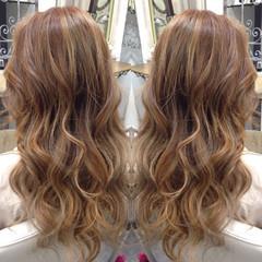 ロング ダブルカラー グラデーションカラー ガーリー ヘアスタイルや髪型の写真・画像