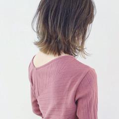 切りっぱなし インナーカラー グラデーションカラー バレイヤージュ ヘアスタイルや髪型の写真・画像
