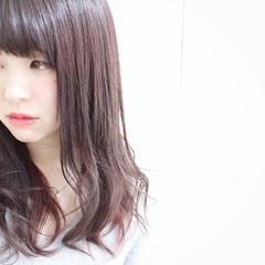 前髪あり ナチュラル インナーカラー グレージュ ヘアスタイルや髪型の写真・画像