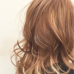 セミロング 抜け感 外国人風 ストリート ヘアスタイルや髪型の写真・画像