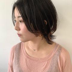 ミディアム レイヤーボブ ナチュラル ショートボブ ヘアスタイルや髪型の写真・画像