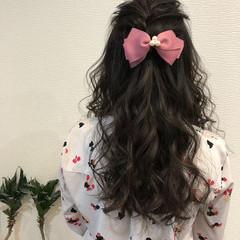 編み込み ロング ガーリー ヘアアレンジ ヘアスタイルや髪型の写真・画像