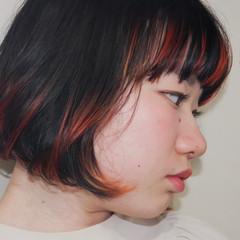 ハイライト ミニボブ インナーカラー 切りっぱなしボブ ヘアスタイルや髪型の写真・画像