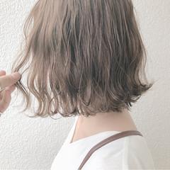 ミルクティー ナチュラル アッシュ ミルクティーベージュ ヘアスタイルや髪型の写真・画像